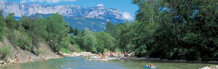 Camping la Pinède, Zwembad, glijbaan, zwemmen in de rivier