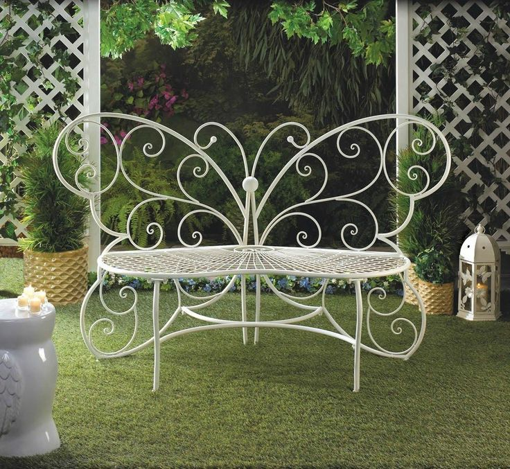 17 Lively Shabby Chic Garden Designs That Will Relax And: 17 Best Images About Patio Furniture On Pinterest