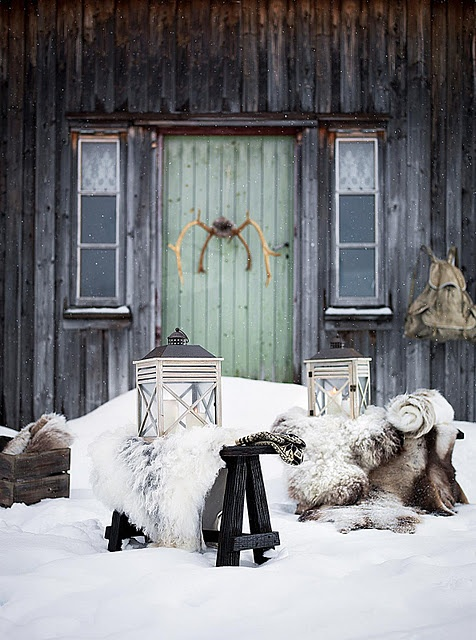 Furs, green door