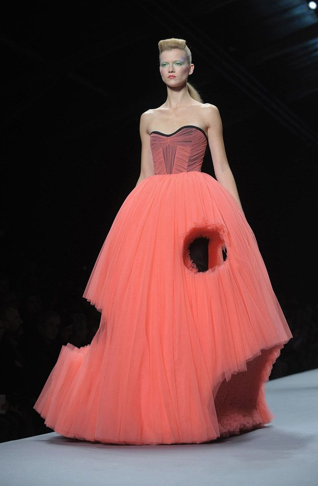 Victor en Rolf 2010 Not sure if I love it. Dont think i would wear it... But i think the color has something to do with that. but I definitely think it's interesting and a cool idea