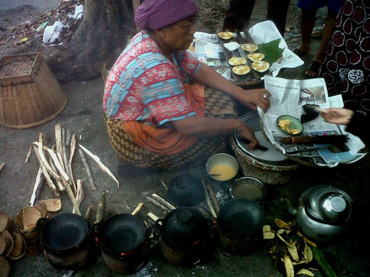 Serabi Kebumen, one of local food.i have to queued up to 1 hour for Serabi Kebumen. LOL