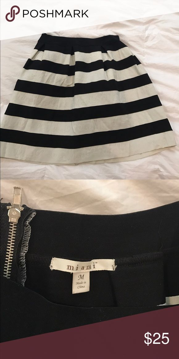 Black and white striped bandeau skirt Only worn once, bought from Francesca's Francesca's Collections Skirts Circle & Skater