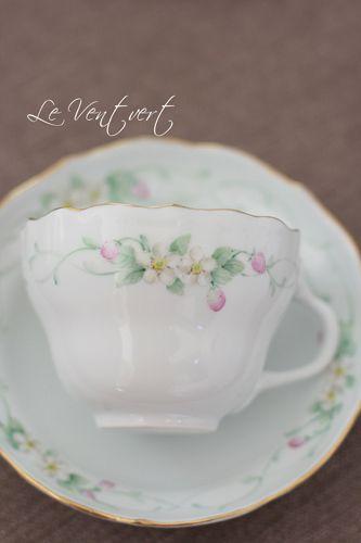 マイセン風 イチゴのカップ