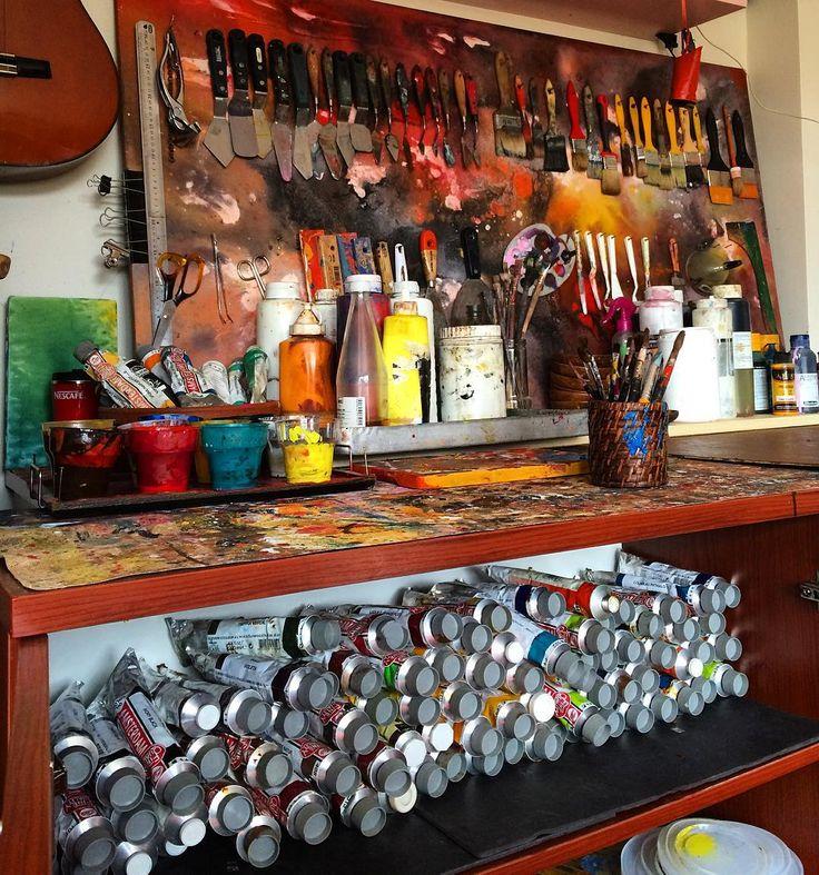 """depoyu (zula) doldurduk...""  #artstudio #studio #artwork #canvas #fineart #paintings #draw #drawing #oilpainting #oilpaint #paint #painting #exhibition #resim #ressam #sanat #serdarabay #serdar_abay #artstuido #studio"