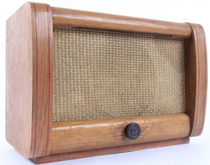 Radiopřijímač rozhlasu po drátě Tesla