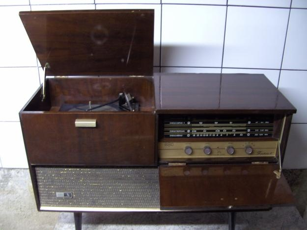 Old record player of the 60s
