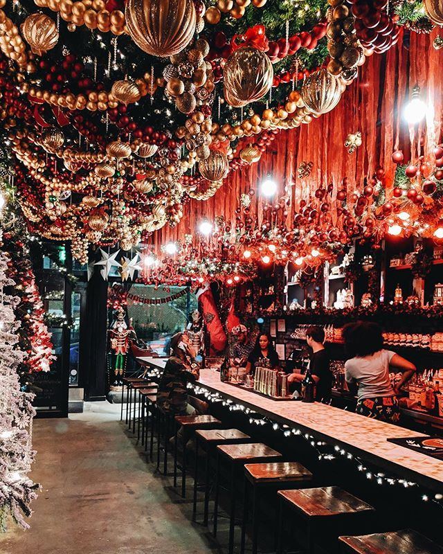 Dc Christmas Pop Up Bar.Dcs Favorite Christmas Bar Is Back Drink Company Has Gotten