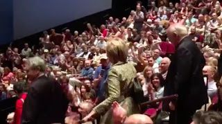 NEIL'S ONLINE BLOG: Theater Gives A Standing Ovation To Hillary Clinto...