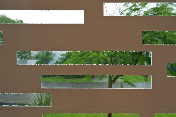 Casa Natalia dialogo poético entre el vidrio y el acero