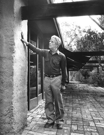 Alistair Knox designed and built many of the stunning mud brick homes that have become an iconic part of the Eltham landscape.
