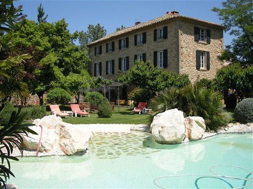 La Bastide des Princes en Provence in CADEROUSSE-CHATEAUNEUF-du-PAPE, France  I love Chateauneuf-de-Pape.