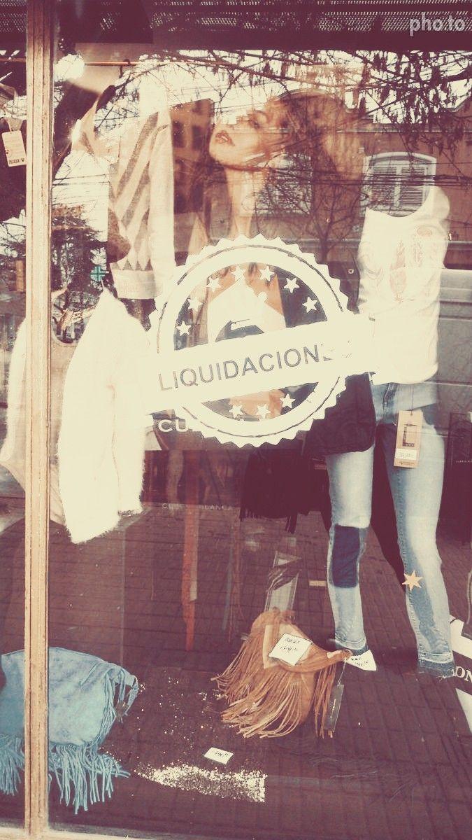 Local de indumentaria femenina Simona - Moreno  Gráfica de liquidación — en Moreno.