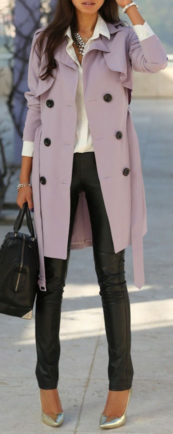 I'm usually not a fan of lavender...but I'm in love with this outfit, and especially that trench!