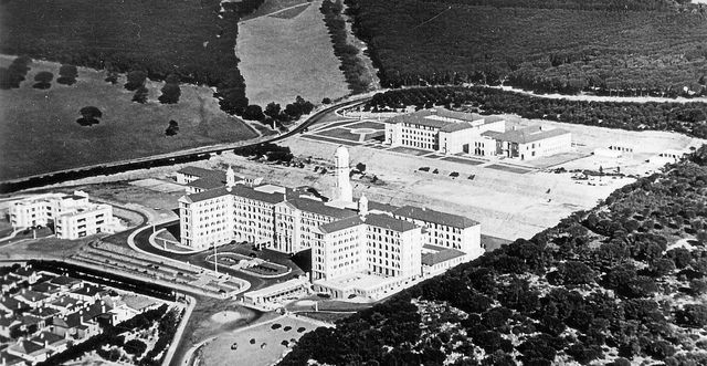 Groote Schuur Hospital, completed in 1938