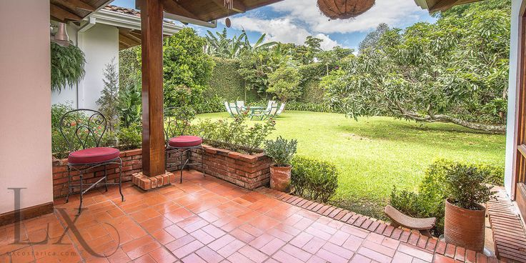 Spectacular garden in Casa Génesis  http://lxcostarica.com/property/The-Essential-Roots-Home  Lomas de Ayarco, Costa Rica