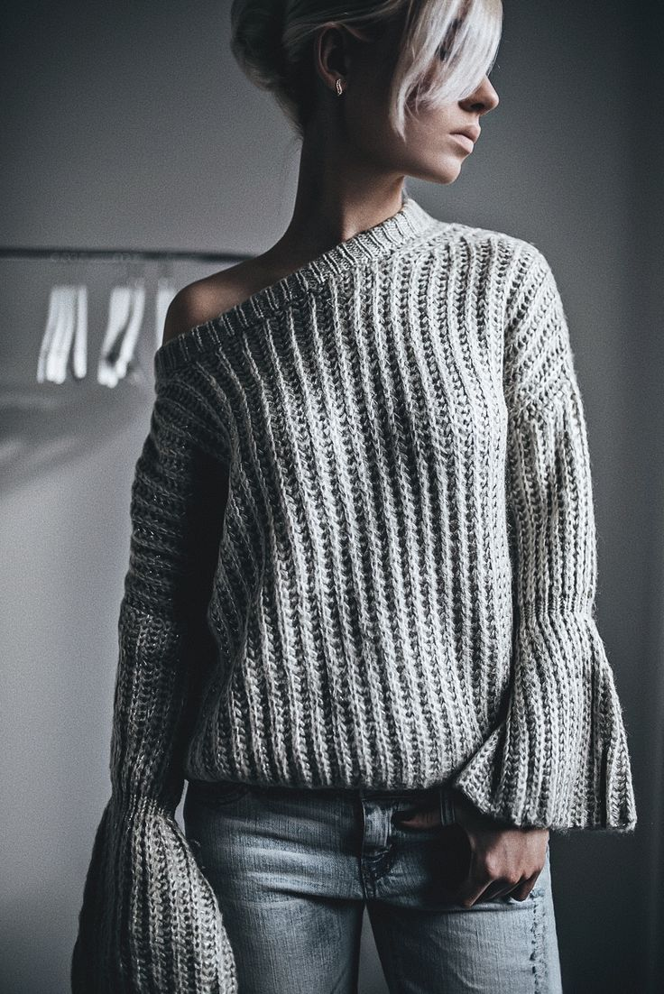 It's Sunday! Today I'm showing a very cute sweater with some unique elements from ZAFUL . The sweater is very basic piece of ones ward...
