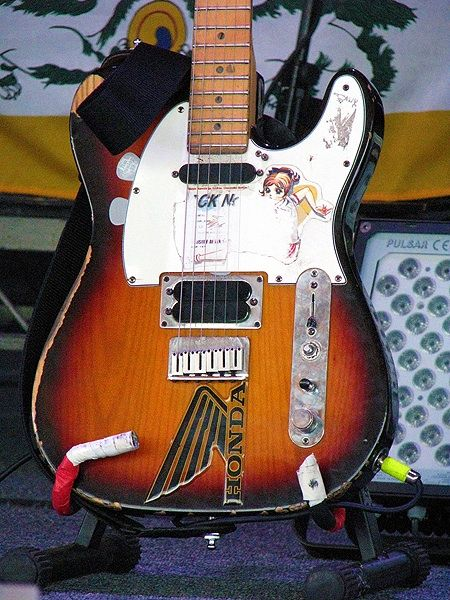 Jonny Greenwood of Radiohead, Fender Telecaster Plus, with a custom cut-off switch and special rewirings made by Greenwood and Plank (Radiohead's Guitar Technician). This guitar is equipped with Lace Sensor pickups.....