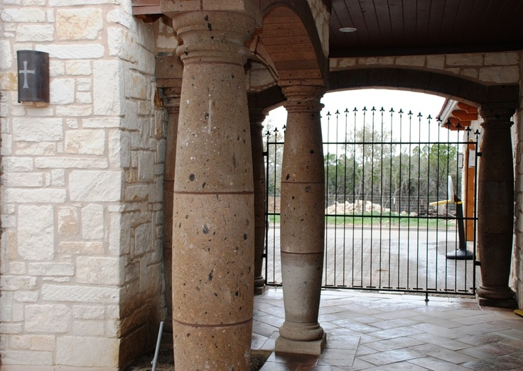 Tobacco brown cantera columns with manganese saltillo for Cantera pillars