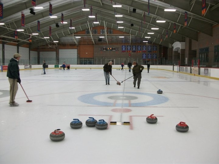 Google Image Result for http://equinoxcurlingclub.org/wp-content/uploads/2011/10/Equinox-Curling-Club.jpg