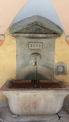 Città di Tende, fontana.