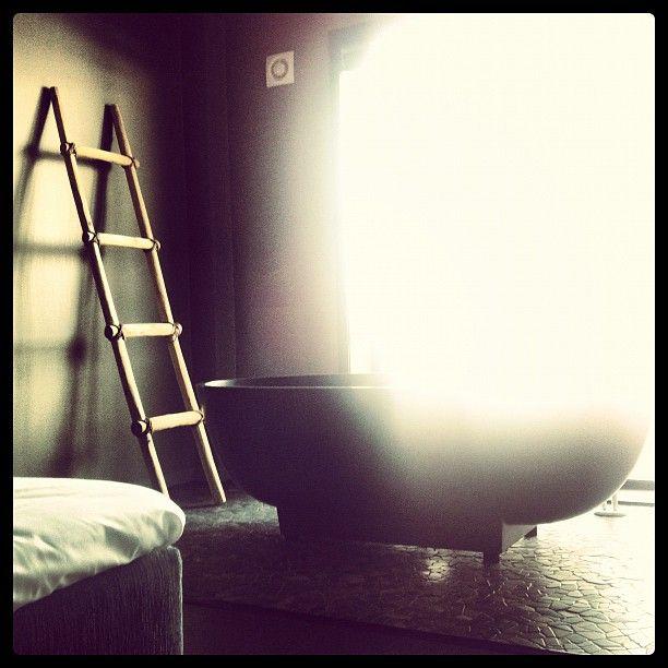 #morning #bath – Instagram photo by @Jennifer Moi (Jennifer Moi Artistry)
