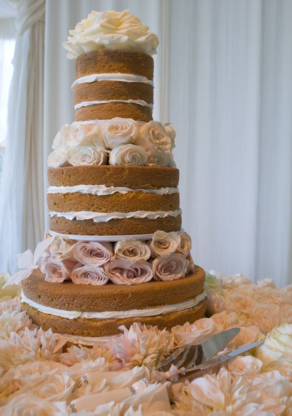 Lovely No Frosting Cake   Hilary Duff Chose A Cake Without Frosting For Her  Montecito Wedding To