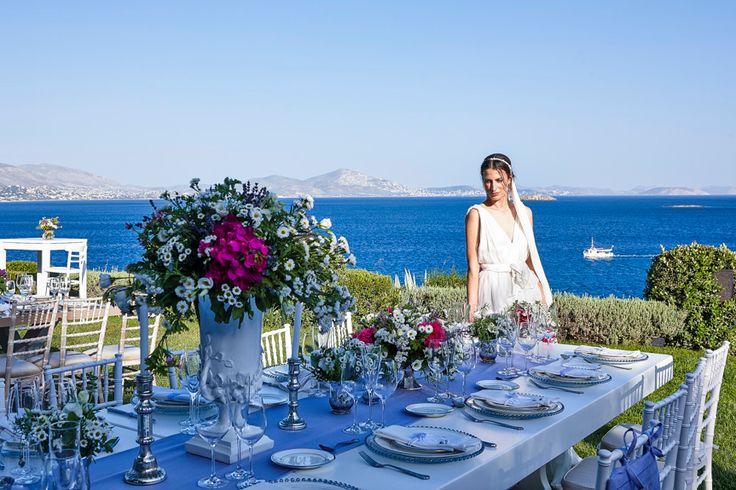 Μια από τις σημερινές τάσεις στις γαμήλιες δεξιώσεις είναι τα τραπέζια σε οικογενειακό στιλ. Το family-style seating δημιουργεί ευχάριστη οικειότητα, που ταιριάζει ιδιαίτερα σε γαμήλιες δεξιώσεις με περιορισμένο αριθμό προσκεκλημένων!  ➧ Διαβάστε περισσότερα στο http://goo.gl/OXiolh ή επικοινωνήστε μαζί μας για τη δική σας καθιστή γαμήλια δεξίωση στο 210 9656 388 #ARIAFineCatering | photo: rChive Photography