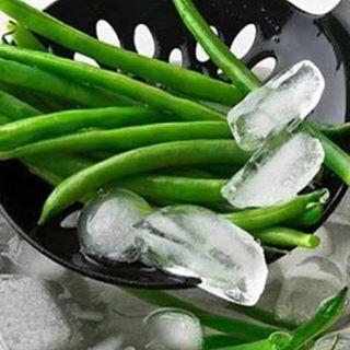 Dica! Branqueamento de vegetais. Ele serve para manter os nutrientes ao realizar o congelamento. Após cozimento, coloque imediatamente em um recipiente com água gelada e gelo por 3 min. Depois congele em local apropriado. Simples assim. #branqueamentodevegetaisdotutu  #mantendonutrientes #dicadodia