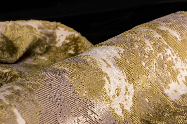 palette-gold-fabric-3.jpg (5472×3648)