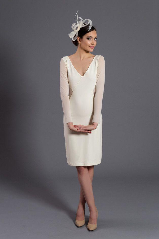 D078 sukienka z siateczkowymi wycięciami. Ecru. - Fanfaronada - Suknie ślubne