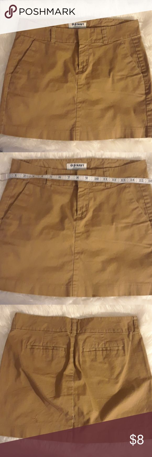 Old Navy Khacki Mini Skirt Preowned, still in very good condition without any pulls, holes, stains or markings as shown in pictures Old Navy Skirts Mini