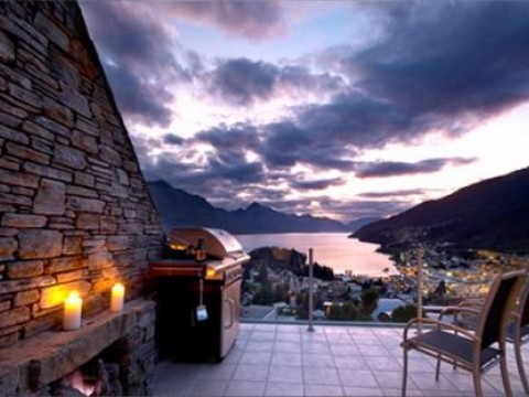 The Terrace, Luxury House in Queenstown & Lakes, New Zealand | #AmazingAccom #holidayhomes