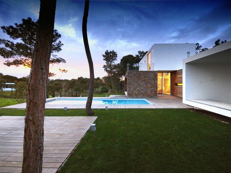 House in Meco Minimal Garden Design