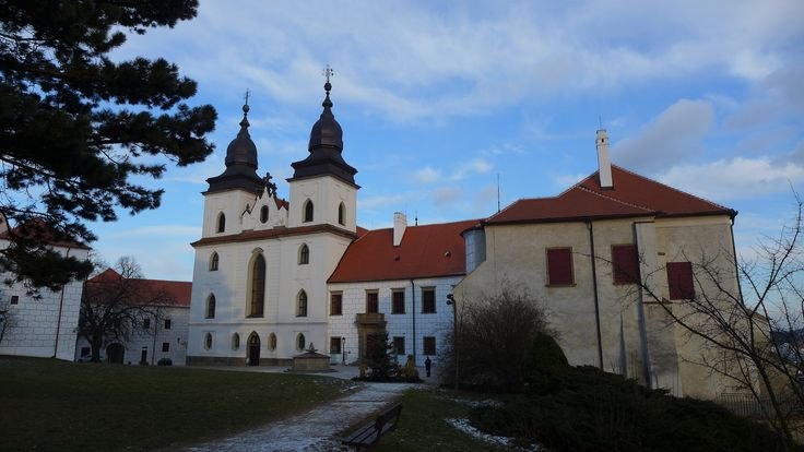 St. Procopius Basilica, a Romanesque-Gothic catholic church in Třebíč, Czechia.. #romanesque #gothic #church #monastery #unesco #czechia
