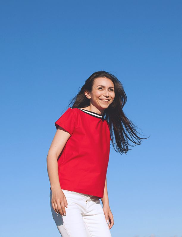 Ultralight red cotton t-shirt