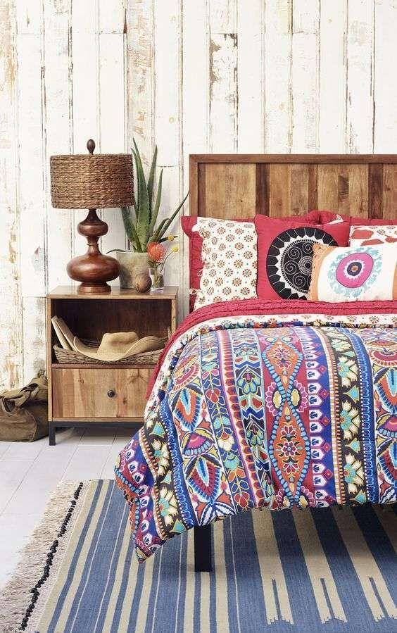 Arredare casa in stile hippie chic - Camera da letto colorata