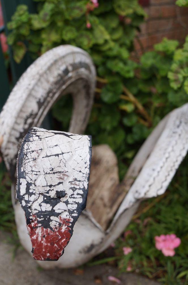 Vintage Retro Australiana Garden Tyre White Swan Art Plant Holder for sale