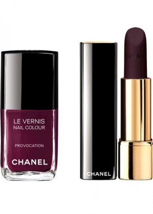 Les Twin-Sets de Chanel,$40 for Le Rouge Allure Velvet La Provocante, $27 for Le Vernis Provocation / Les Twin-Sets de Chanel, 40 $ pour le Rouge Allure Velvet, nuance La Provocante et 27 $ pour Le vernis, nuance Provocation.