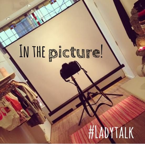 Oooh wat leuk! De Musthaves by S- Photobooth  ..say CHEESE! #musthavesbys #ladytalk #Leiden #shoppingexperience