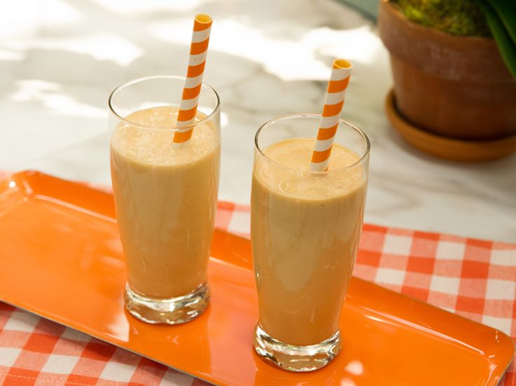 "Pumpkin Smoothie by Katie Lee of Food Network's ""The Kitchen"": milk, frozen banana, pumpkin puree, pumpkin pie spice, vanilla... yum!"