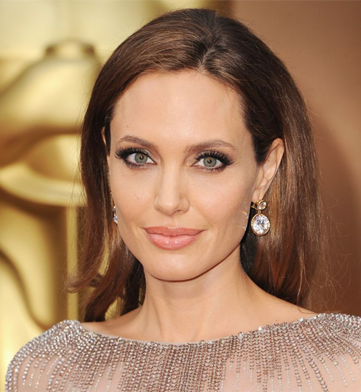 Hollywood News And Gossip Angelina Jolie Has Ovaries And Fallopian Tubes Removed- Hollywood Gossip At Http://Www.Hollywoodgossipbook.Blogspot.In/