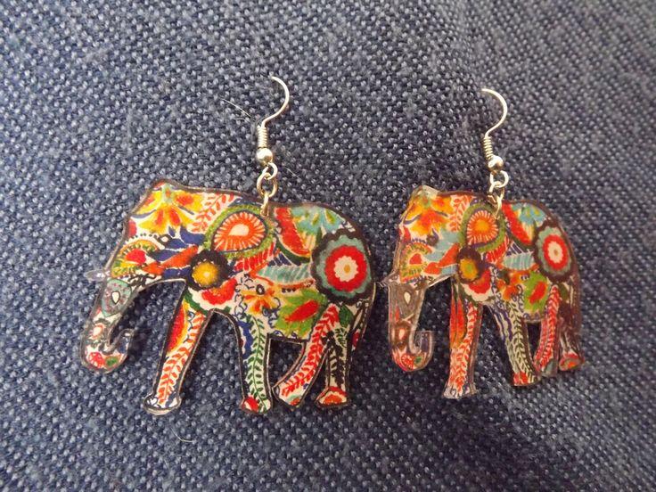 Elephant coloré boucles d'oreilles en plastique fou