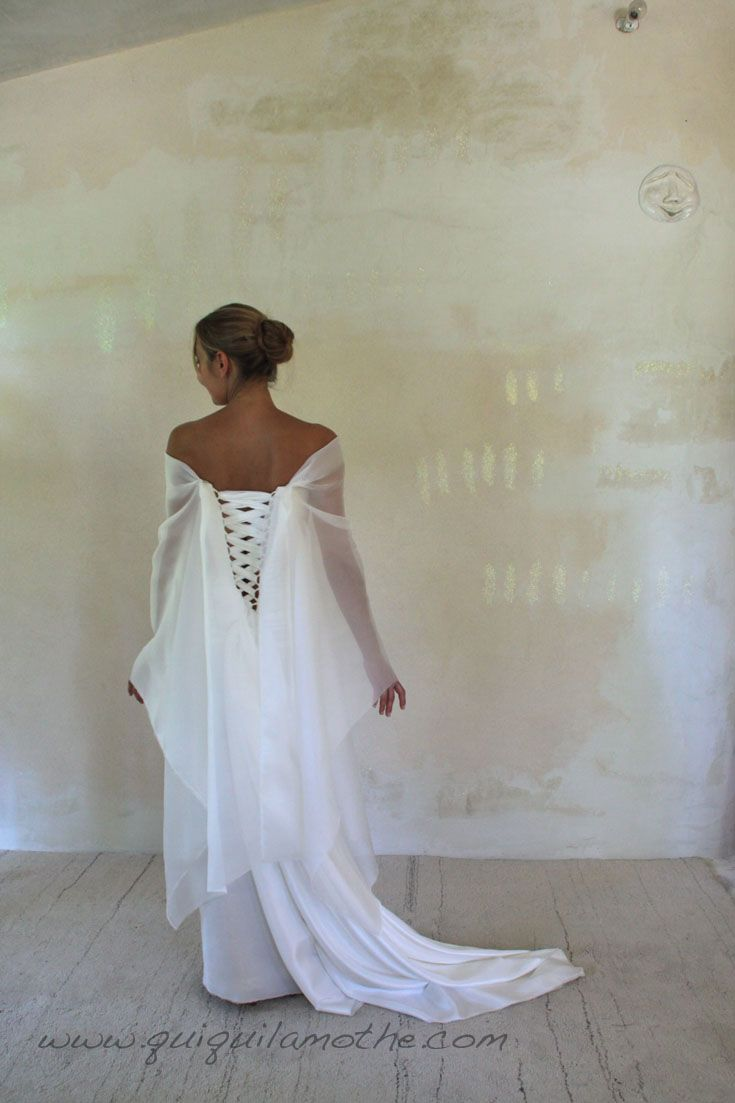 63 best robes de mari es romantique romantic wedding dress images on pinterest bustiers. Black Bedroom Furniture Sets. Home Design Ideas