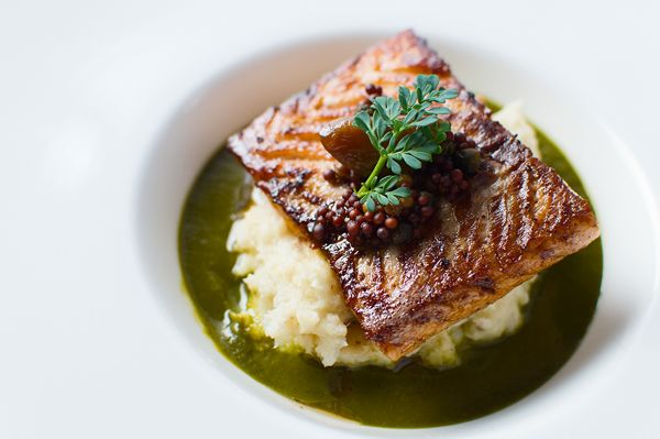 salmon with sorrel sauce (pinned for the fish cooking technique)