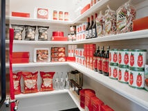 http://www.houzz.com/ideabooks/3417144/list/Get-It-Done--How-to-Clean-Out-the-Pantry