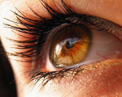 Ľudia s hnedými očami sú oproti ostatným v týchto veciach popredu. Ak máte hnedé oči, mali by ste vedieť, že... - TopNaZdravie.sk