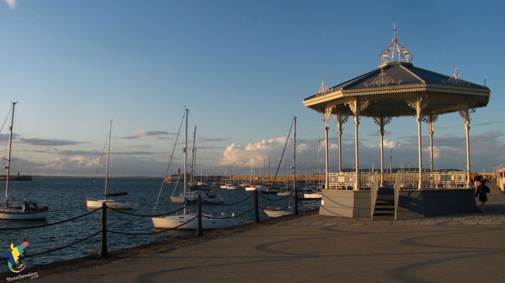 band, music, groups, boats, dunlaoghaire, ocean, instruments