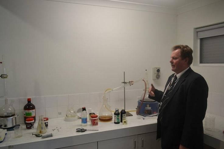 The NSW Police Showed Us Their Fake Ice Lab in Australia's 'Meth Belt' | VICE | United States