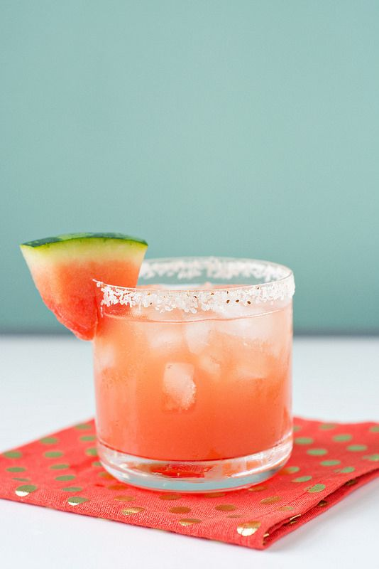 Watermelon Margaritas with watermelon juice, orange liqueur, tequila and a splash of agave nectar for added sweetness. #margarita #watermelon