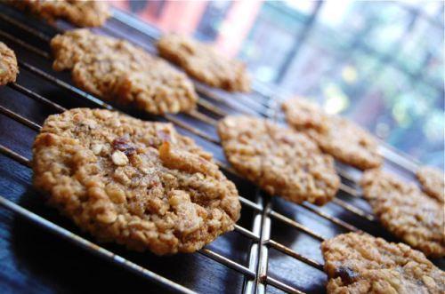 Sticky Tahini Date Cookies | Date Cookies, Tahini and Dates